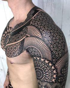 tatouage géométrique homme 191 meilleures images du tableau tatouage g 233 om 233 trique geometric geometric tattoos