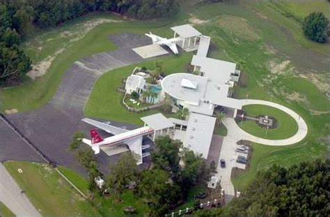24 chronic news homes of the rich and famous