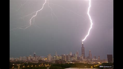 lightning repeatedly strikes  sears willis tower