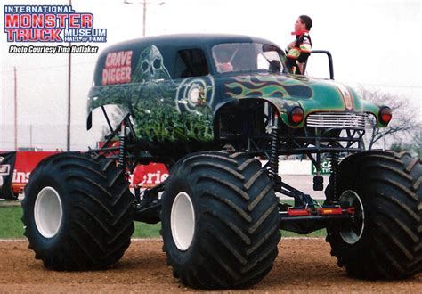 grave digger monster truck for sale grave digger 5 monster trucks wiki fandom powered by wikia