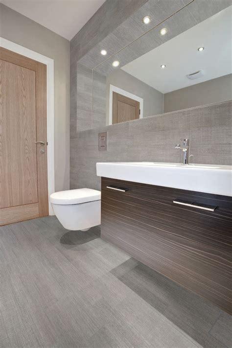 Wood Tiles In Bathroom by Best 25 Wood Tile Bathrooms Ideas On Tile