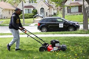 This Man Is Travelling Around The Us Mowing Lawns For People