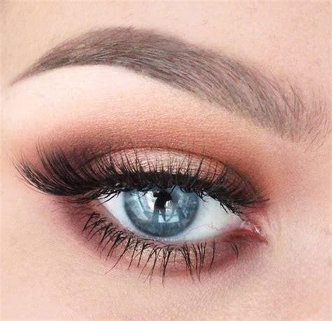 Comment maquiller les yeux verts avec un fard Orange Paprika in MakeMyBeauty on Vimeo
