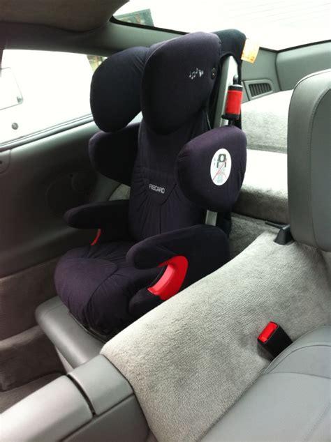 siege auto porsche installation d 39 un recaro enfant à l 39 arrière