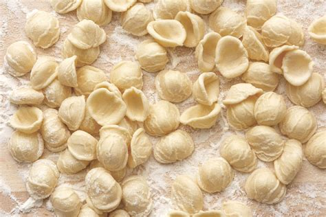 orecchiette fatte in casa ricetta orecchiette specialit 224 tipiche della tradizione pugliese