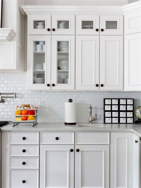 where to place knobs on kitchen cabinets kitchen cabinet knob placement houzz 2189