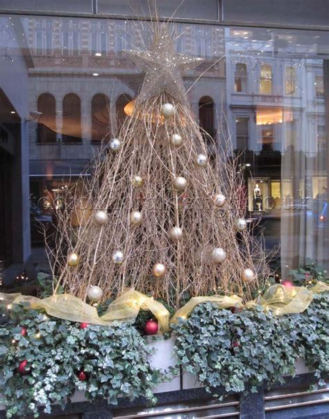elegant ideas  decorating  christmas tree london uk