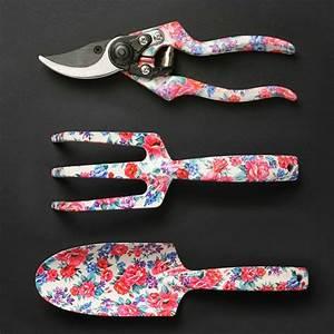 Pretty And Useful : garden tools set of 3 spring by pretty useful tools pretty girly meets functional ~ Watch28wear.com Haus und Dekorationen