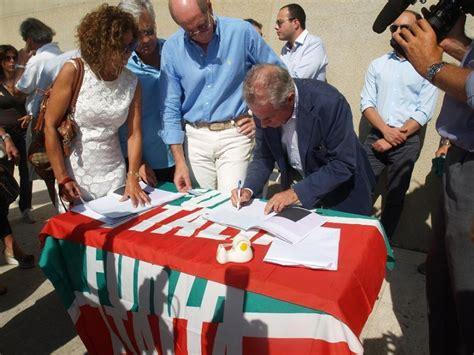 Ufficio Elettorale Genova - foto referendum ufficio elettorale chiuso scajola