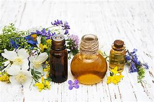 Top 7 Essential Oils For Soothing Seniors With Dementia