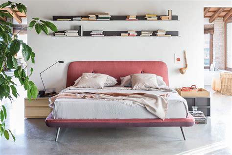 mensole per da letto come arredare una da letto moderna 38 idee di tendenza