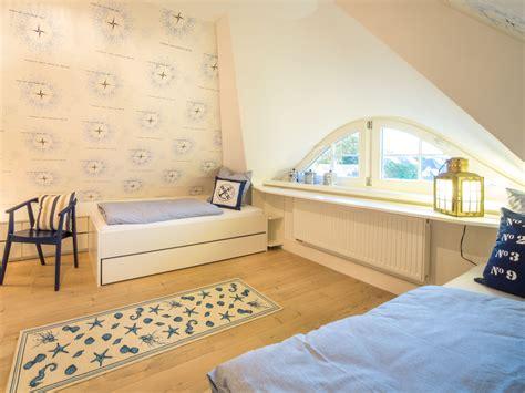 Schlafzimmer Unterm Dach by Ferienhaus Reethaus Hortensie Zingst Frau Conny Nowak