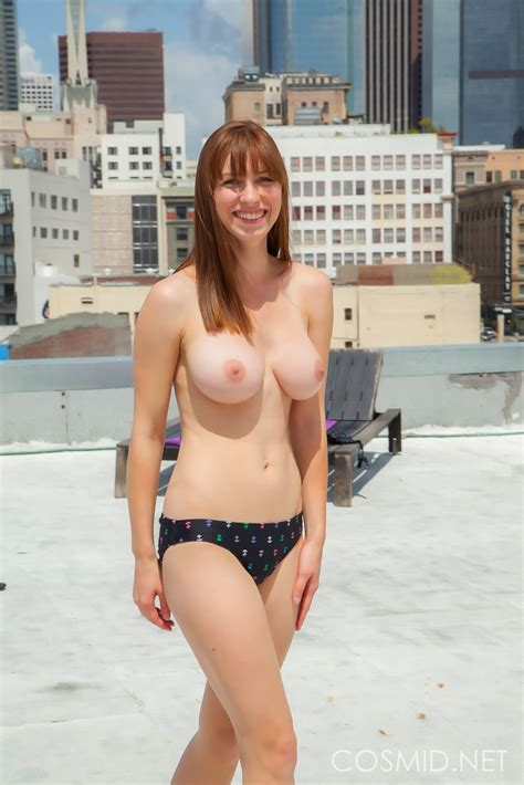 Jessica Tits Exposed Sexy Naked Redhead