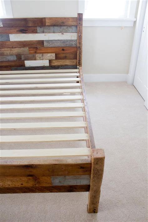 pallet  barn wood queen bed  pallets