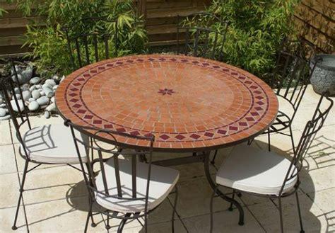 table jardin mosaique ronde 130cm terre cuite et losanges