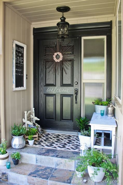 Outdoor Entryway Decor  Home Decorating Ideas