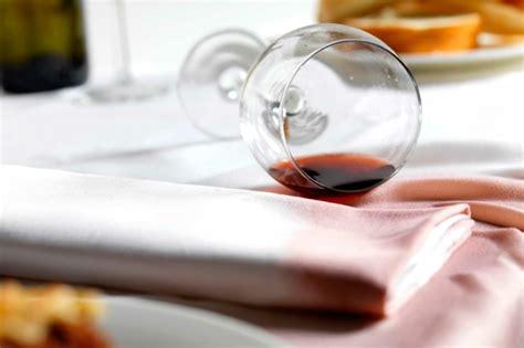 nettoyer canapé tissu bicarbonate de soude conseils comment nettoyer un canapé en tissu et enlever