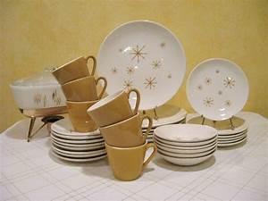 Retro Star Glow Dinnerware Set196039s