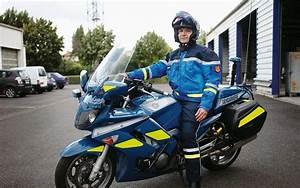 Sud Ouest Moto : charente des airbags pour les gendarmes moto sud ~ Medecine-chirurgie-esthetiques.com Avis de Voitures