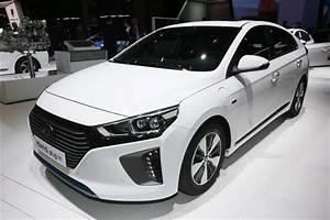 Opel Ampera Commercialisation : hyundai ioniq l hybride rechargeable disponible cet t ~ Medecine-chirurgie-esthetiques.com Avis de Voitures