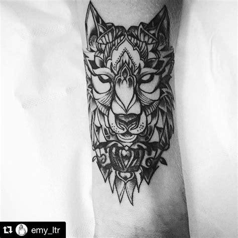 Tatouage Avant Bras Homme Loup