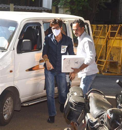 Bharti Singh and Haarsh Limbachiyaa arrive at NCB office ...