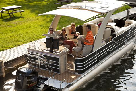 Pontoon Brands by Pontoon Boats Buying Guide By Brand Manufacturer And Boat