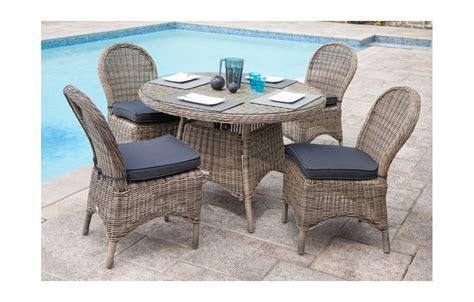table et chaise cars table de jardin ronde et 4 chaises en résine tressée rotin