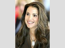 Queen Rania Al Abdullah Charity Work & Causes Look to