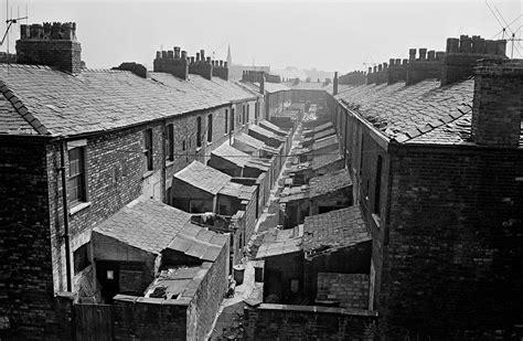 Shocking Photos Of Salford Slums 1969-1972 - Flashbak