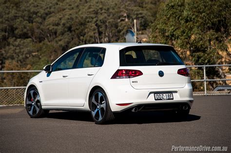 volkswagen gti 2016 volkswagen golf gti review video performancedrive