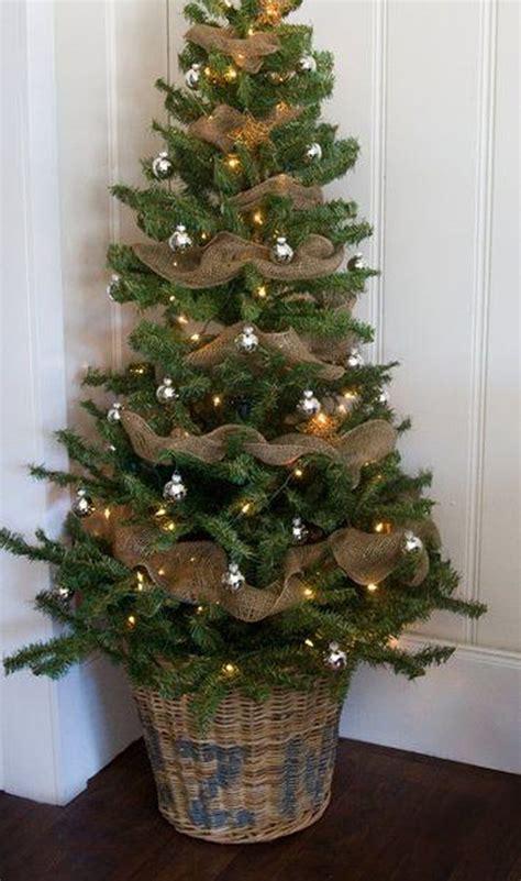 awesome christmas tree decorations ideas  burlap