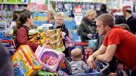 What The Average American Consumer Will Spend This Christmas