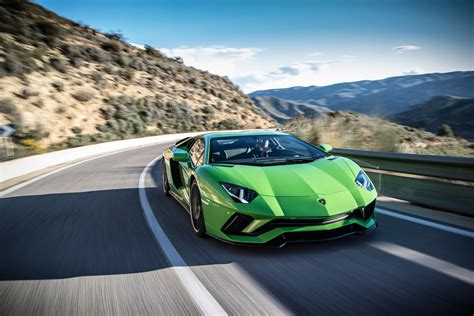 Lamborghini Aventador S Review  Does The Big Lambo Now