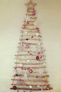 Metallständer Für Deko : weihnachtsdeko basteln anleitung f r einen weihnachtsbaum aus treibholz ~ Orissabook.com Haus und Dekorationen