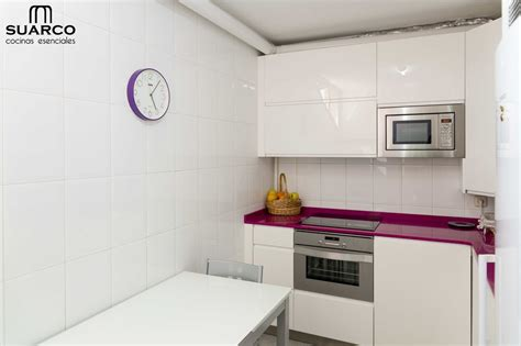 cocina muy pequena moderna blanca cocinas suarco