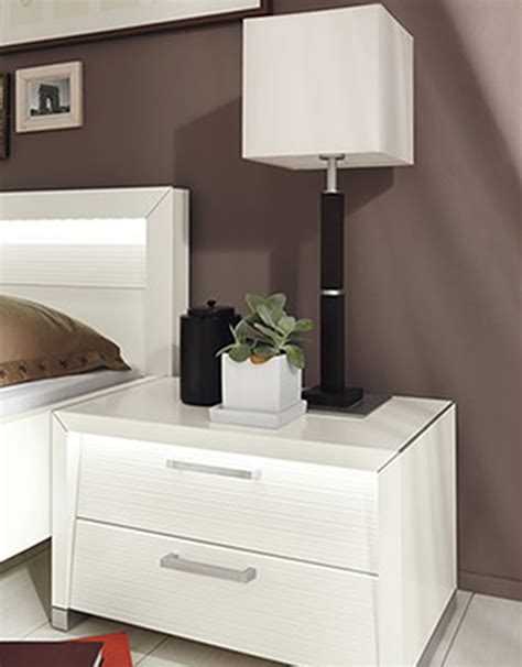 Best Modern Bedside Table Lamps With Black Height Stand