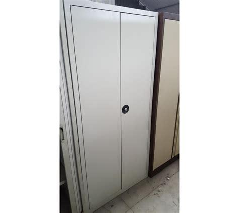 bureau surintendant des faillites armoire métallique grise 2 portes faillites info