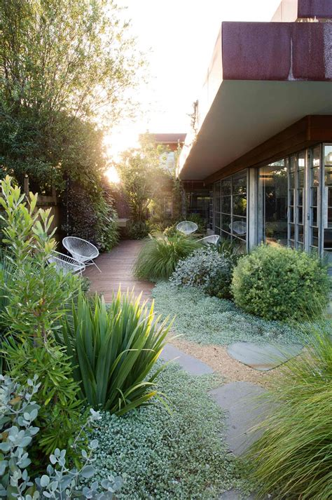 8 Inspirations For A Modern Summer Garden  Design Matters