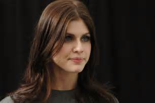 Alexandra Daddario HD Wallpapers