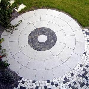 Pflastersteine Muster Bilder : pflastersteine rund kreis haloring ~ Frokenaadalensverden.com Haus und Dekorationen