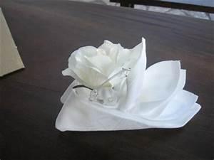 Pliage De Serviette En Tissu : pliage de serviette tissu avec fleur s o s decos ~ Nature-et-papiers.com Idées de Décoration