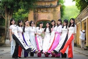 Cho thuê áo dài chụp ảnh kỷ yếu đẹp nhất Sài Gòn