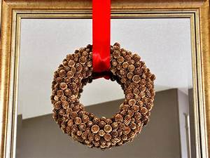 How, To, Make, A, Holiday, Pinecone, Wreath