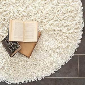 belle decoration a la maison avec le tapis shaggy blanc With tapis chambre bébé avec livraison fleurs salon de provence