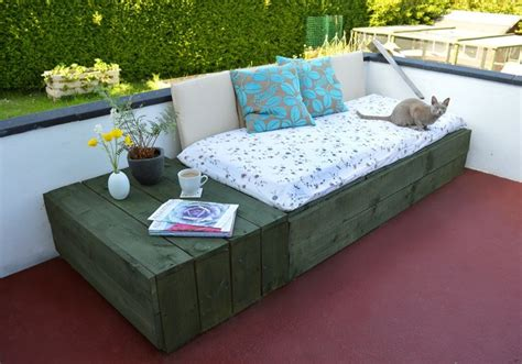 canapé palette bois salon de jardin en palette le mobilier extérieur écolo