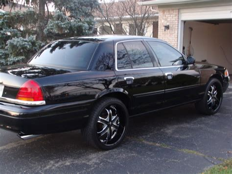 2002 Ford Crown Victoria Pictures Cargurus