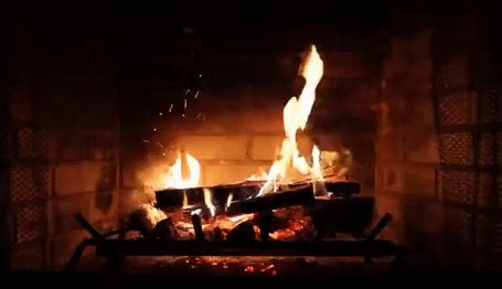 christmas fireplace burning gifs search find