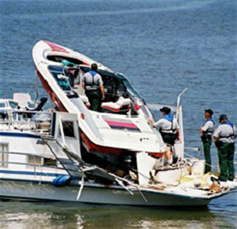 Boat Crash Fatality by July The Most Dangerous Month For Boating Accidents