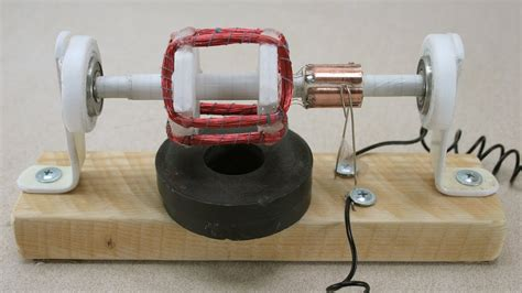 Build An Electric Motor by How To Make A Simple Electric Motor C 243 Mo Hacer Un Motor